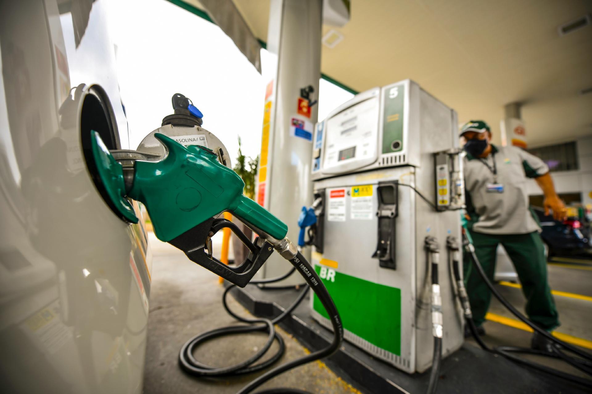 Etanol x gasolina: abastecer com álcool só é vantajoso em quatro estados